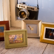 Mini Masterpieces! Pick and image and frame style, gold/silver/wood